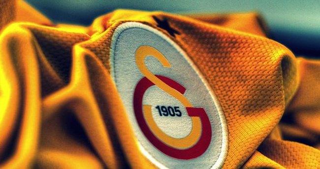 Galatasaray'da taraftarı şoke edecek karar!