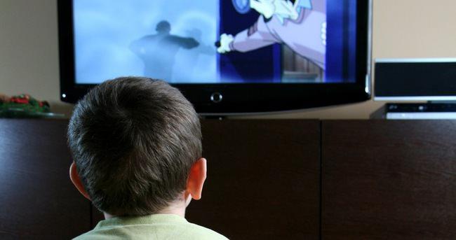 Çocuklara televizyon uyarısı