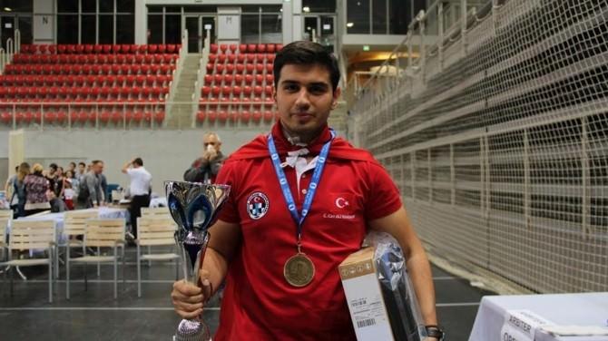 Hataylı Satranç Sporcusu Marandi, 5. Kez Avrupa Şampiyonu Oldu