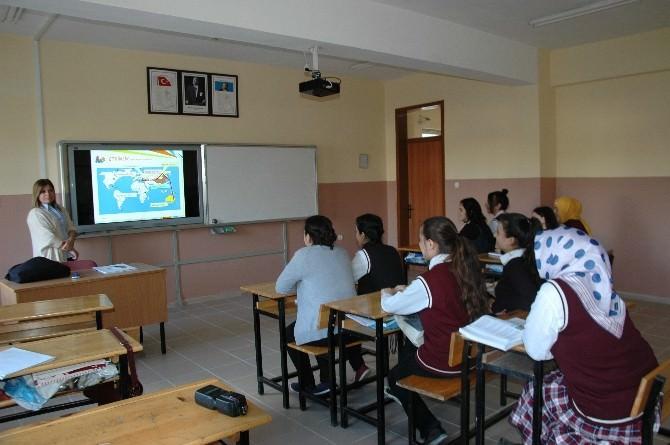 Küre'de Öğrenciler Akıllı Tahta İle Tanıştı