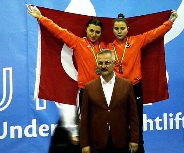 Acartürk, Litvanya'da 2 Altın Bir Gümüş Madalya Kazandı