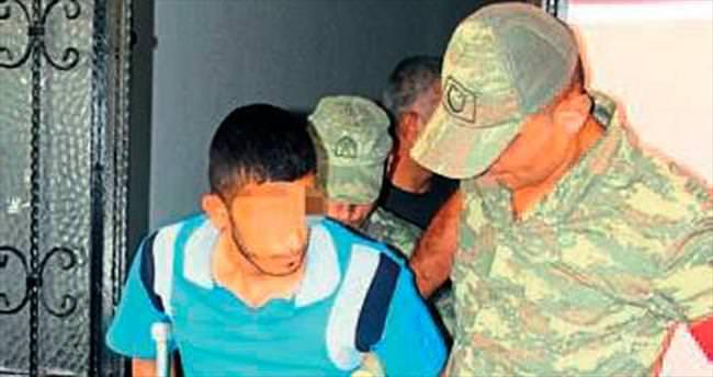 Hava değişimine gelen asker, polise Molotof attı