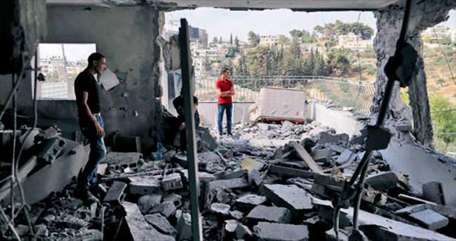 İsrail ev yıkmaya devam ediyor