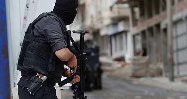 Adana'da kaçakçılara şafak baskını: 10 gözaltı
