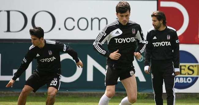 Beşiktaş'ta iki ayrılık