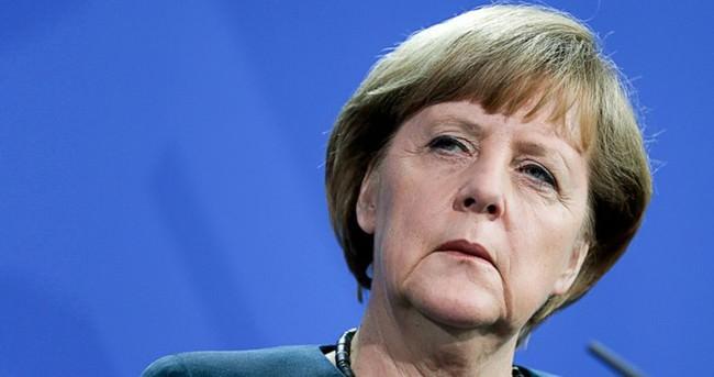 AK Parti'den Merkel'e sert tepki