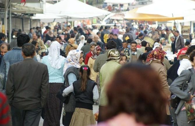 Aydın'da Kadınlar Daha Çok Yaşıyor