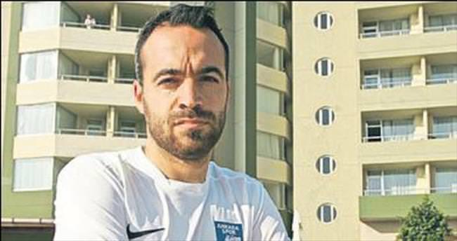 Denizlispor'da üç kadro dışı