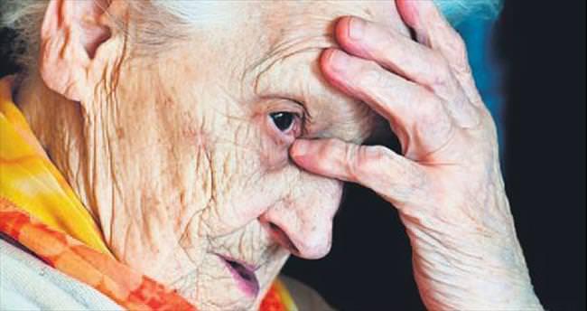 Yaşlılar, alzheimer ile unutkanlığı karıştırıyor