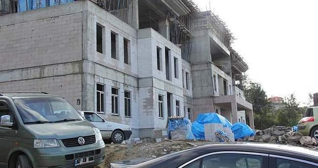 Okul inşaatında ölüm