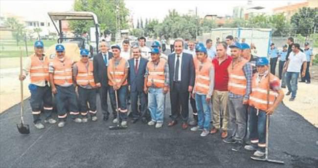 Ceyhan'da asfalt çalışması durmuyor