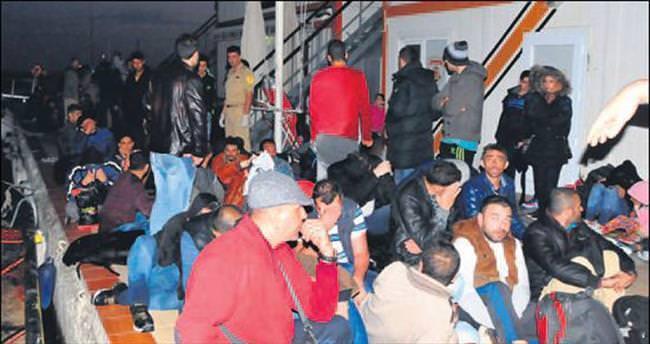 Bir günde 517 kaçak göçmen yakalandı