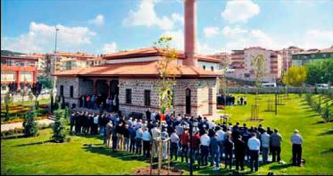 Medeniyet Camisi dualarla açıldı