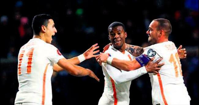 Sneijder golünü attı