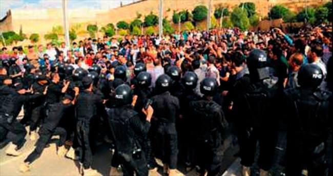 Maaş protestoları büyüdü: 3 ölü