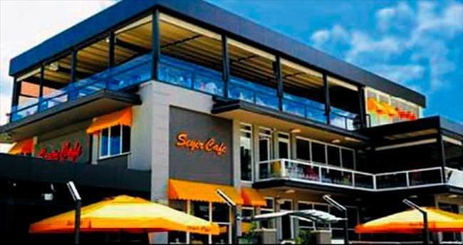 Seyir Cafe 13'üncü yıldönümünü kut