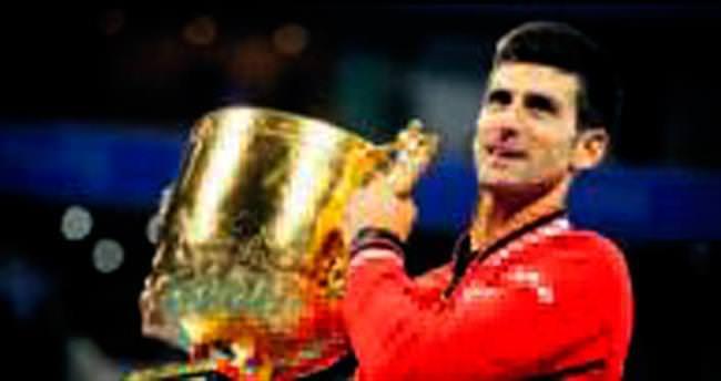 Djokovic 8. kupasını Nadal'ı yenerek aldı