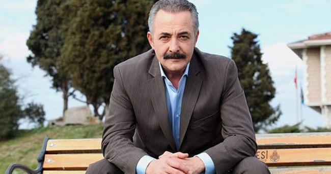 Mehmet Aslantuğ o sözünü çabuk unuttu