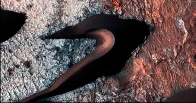 NASA Mars'ta kum tepecikleri görüntüledi