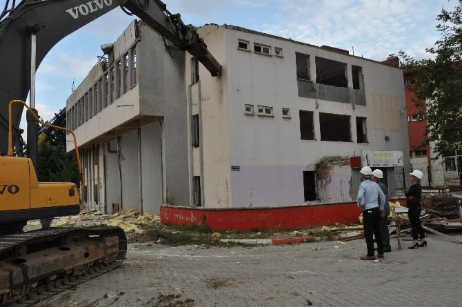 Çürük Binalar Yıkılıyor