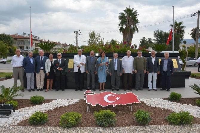 Emekli Büyükelçilerden Başkan Saatcı Ve Saygı Anıtına Ziyaret