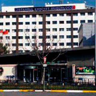 İstanbul Emniyeti'nde kan değişimi