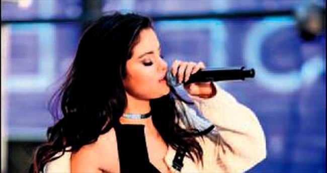 Selena'nın sürprizi!