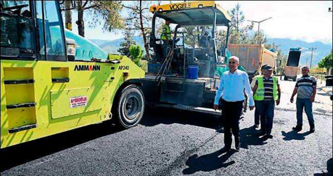 Denizli'de 900 kilometre yola asfalt