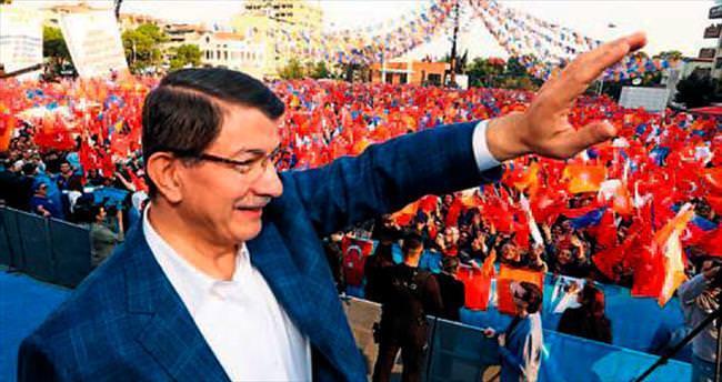 AK Parti'den İzmir'de bayraklı miting