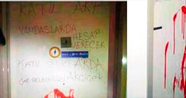 Erdoğan'ı savundu diye akademisyene saldırı