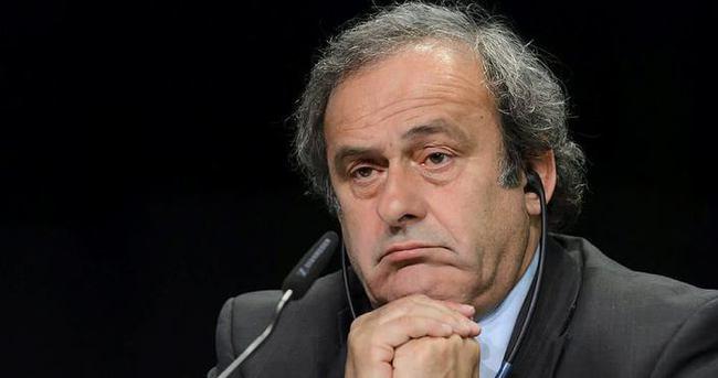 İngiltere, Platini'ye verdiği desteği askıya aldı
