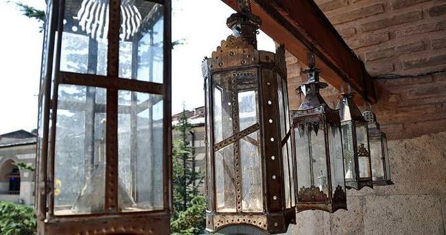 Osmanlı motifli el fenerleri evleri süslüyor
