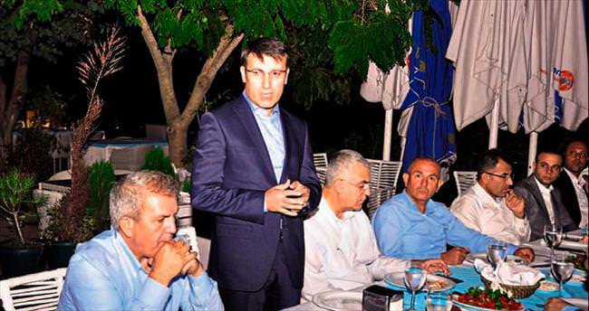 AK Parti'li Küçükcan işadamlarıyla buluştu