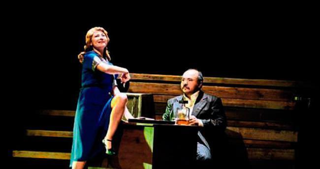 Adana'da tiyatro günleri başladı