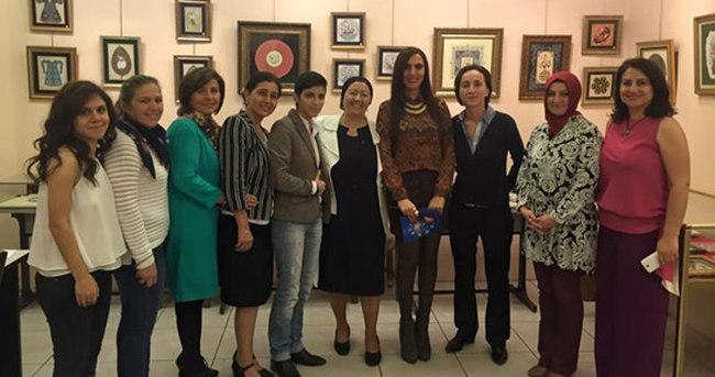 Bursalı sanatkarlar Paris'i fethetti