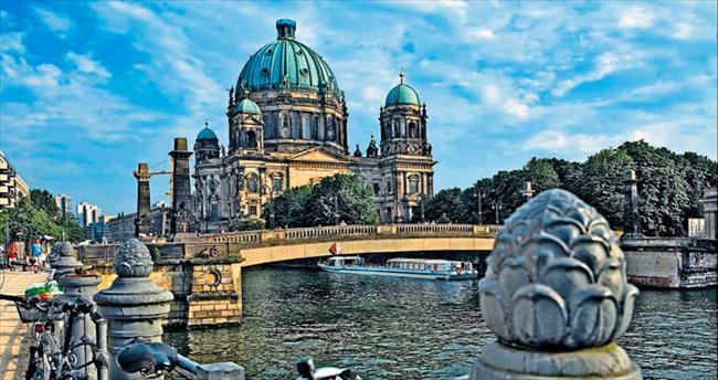 Bisikletle Berlin'i keşfetmek