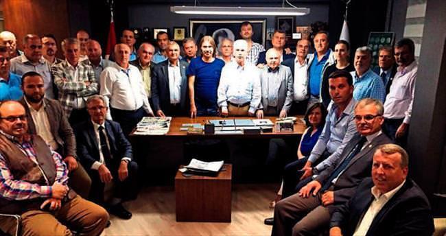 İzmir'de Balkan göçmenleri artık güçlerini birleştiriyor