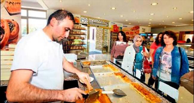 Halk Ekmek Anlantis Cafe satışlara başladı