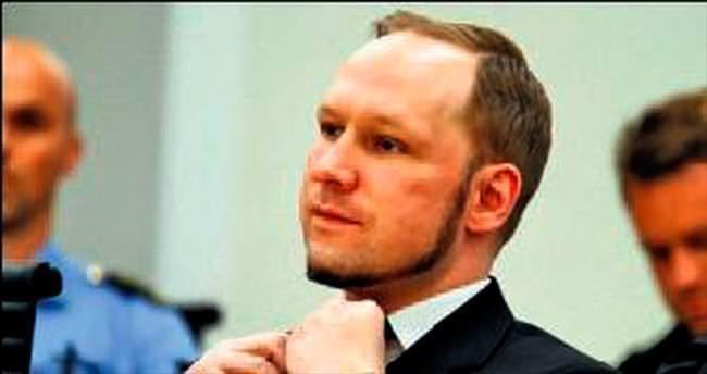 Breivik Norveç'e dava açıyor