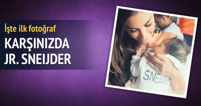 Ve karşınızda Jr. Sneijder