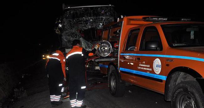 Feci kaza: 1 ölü 23 yaralı!