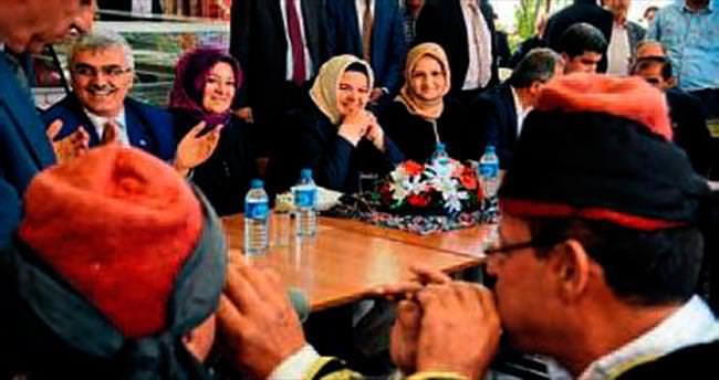 Bakan Gürcan'a sürpriz konser