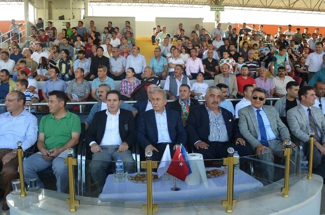 Adana Valisi Büyük Kozan Belediyespor'un Maçını İzledi