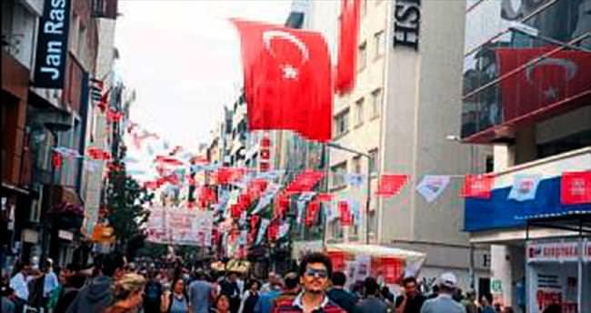 İzmir'de teröre ay yıldızlı tepki