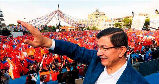 Başbakan'dan İzmir'de stat mitingi