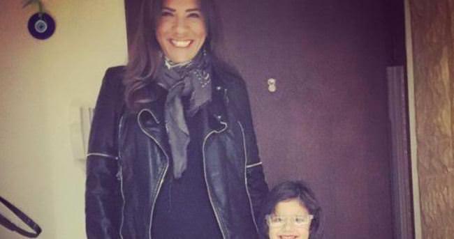 Anne - kız siyah giydiler