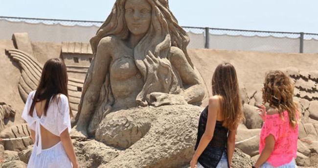 Kum heykeller 12 ay gezilecek