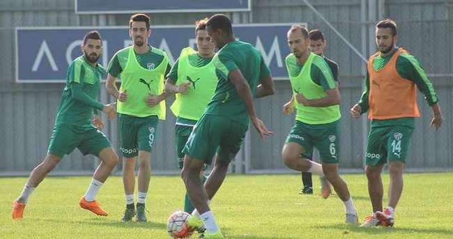 Bursaspor'da Dany, takımdan ayrı çalıştı