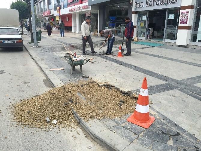 Atatürk Bulvarı'nda Kaldırımlar Bakıma Alındı