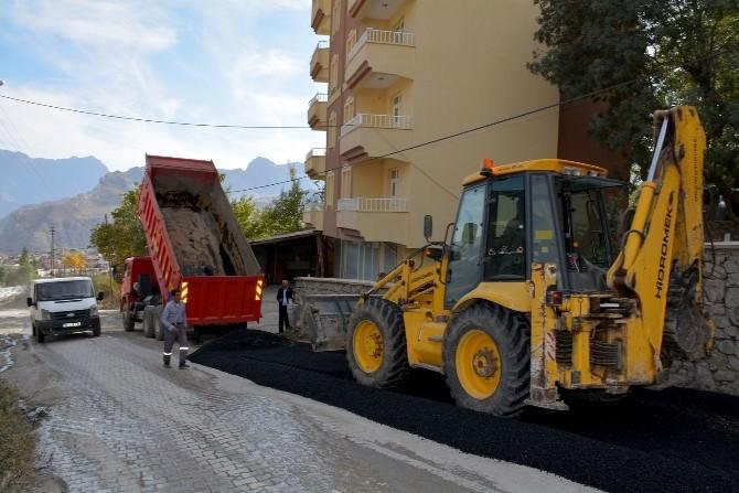 Hakkari'de Bozulan Yollar Onarılıyor